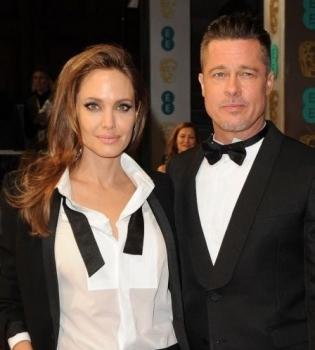Анджелина Джоли,Анджелина Джоли дети,Брэд Питт,Брэд Питт дети,Анджелина Джоли и Брэд Питт усыновят ребенка