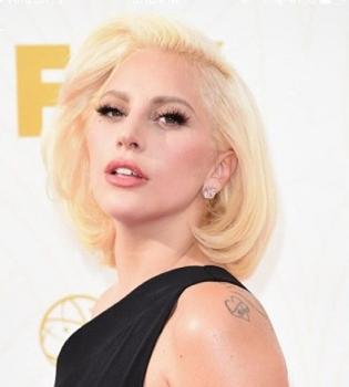 Леди Гага,Леди Гага фото,Леди Гага с мужчиной,Леди Гага фото с мужчиной,Тэйлор Кинни