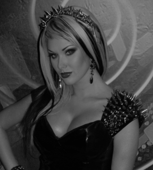 екатерина бужинская, бужинская хэллоуин, бужинская фото, бужинская вампирша на хэллоуин