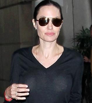 Анджелина Джоли,Анджелина Джоли фото,Анджелина Джоли дети,Шайло Нувель,Захара Джоли-Питт,Мэддокс Джоли-Питт,Пакс Джоли-Питт