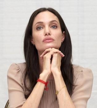 Анджелина Джоли,Анджелина Джоли фото,Анджелина Джоли стиль,Анджелина Джоли Лазурный берег