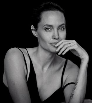 Анджелина Джоли,Анджелина Джоли фото,Анджелина Джоли фотосессия,Анджелина Джоли стиль