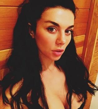 Голая звезда Анна Седокова на фото и видео