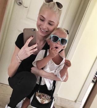дочка тимати алиса фото