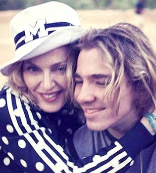 Мадонна,Мадонна фото,Мадонна дети,Мадонна сын,Гай Ричи,Гай Ричи сын,Рокко Ричи,Рокко Ричи фото