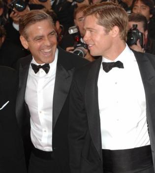 Джордж Клуни,Джордж Клуни фото,Джордж Клуни розыгрыш,Брэд Питт,Джордж Клуни и Брэд Питт