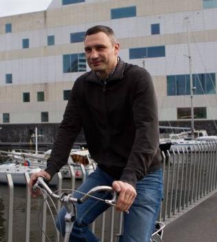 виталий кличко, виталий кличко велосипед, виталий кличко на велосипеде, виталий кличко фото, виталий кличко фейсбук
