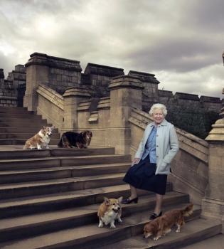 Елизавета II,Елизавета II фото,Елизавета II юбилей,Елизавета II 90 лет,принц Джордж,принцесса Шарлотта