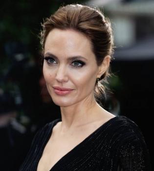 Анджелина Джоли,Анджелина Джоли фото,Анджелина Джоли Малефисента