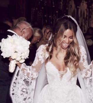 Сиара, Сиара вышла замуж,  Сиара муж,  Сиара свадьба,  Сиара свадьба фото, Рассел Уилсон, Сиара и Рассел Уилсон
