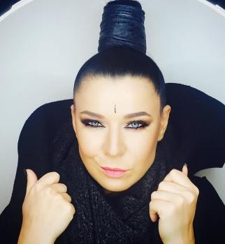 Певица Елка сменила имидж