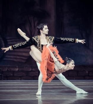 Александр Стоянов, Александр Стоянов интервью, Александр Стоянов жена, Александр Стоянов фото
