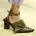 Мода и стиль – вещи, которые нужно понимать, ведь, смотря на новые модели обуви, представленные модельерами на показах весна-лето 2017, сперва сложно поверить, что такое можно носить. Предлагаем посмотреть, что же в новом сезоне обязательно должно быть в шкафу каждой модницы.