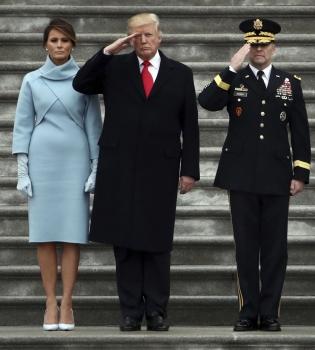мелания трамп, мелания трамп грустная, мелания трамп инагурация, дональд трамп жена