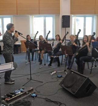 Олег Скрипка, Национальный академический оркестр народных инструментов НАОНИ, битва оркестров