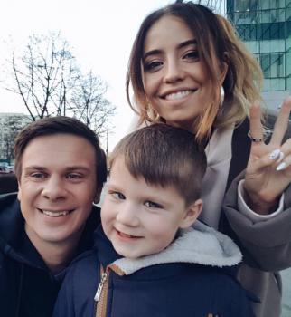 Дмитрий Комаров, Надежда Дорофеева, Время и Стекло, Мир наизнанку