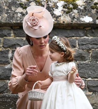 Кейт Миддлтон,Кейт Миддлтон фото,Пиппа Миддлтон,Пиппа Миддлтон фото,пиппа Миддлтон свадьба,Принц Джордж,Принцесса Шарлотта