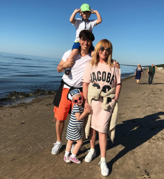 Само умиление: дети Максима Галкина трогательно поздравили его с 41-летием