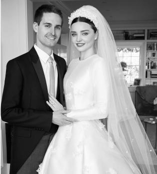 миранда керр свадьба, миранда керр и эван шпигель свадьба, миранда керр и эван шпигель фото со свадьбы, миранда керр платье невесты