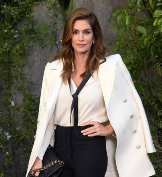неделя моды в париже, показ шанель, моника белуччи, синди кроуфорд на показе шанель, показ chanel, paris fashion week,