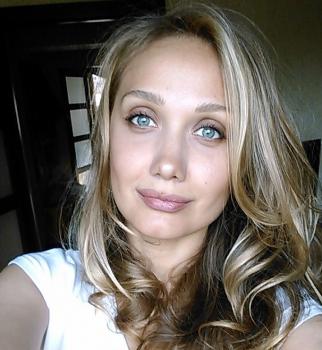 Новость о смерти Евгении Власовой - фейк. Комментарий мамы артистки