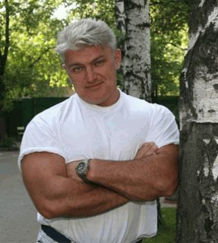 Владимир Тур,Владимир Тур