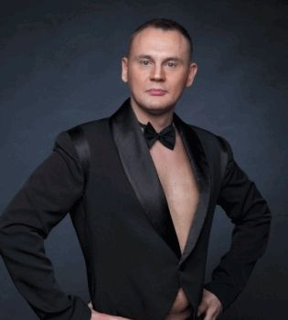 Степан Менщиков, Дом-2