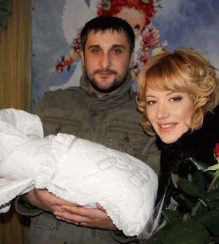 Лера Черненко,Лера Черненко дочь,Лера Черненко окрестила дочь,Козырная жизнь