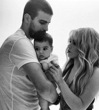 Шакира,Шакира сын,Шакира фото,фото Шакира,Шакира и Жерар Пике,Шакира и Жерар Пике фото