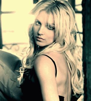 Бритни Спирс,Бритни Спирс фото,Бритни Спирс видео,Бритни Спирс вживую