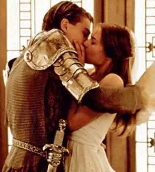 поцелуй,звездные поцелуи,звезды целуются,Шакира и Жерар Пике,Шакира и Жерар Пике фото,Анджелина Джоли,Скарлетт Йоханссон