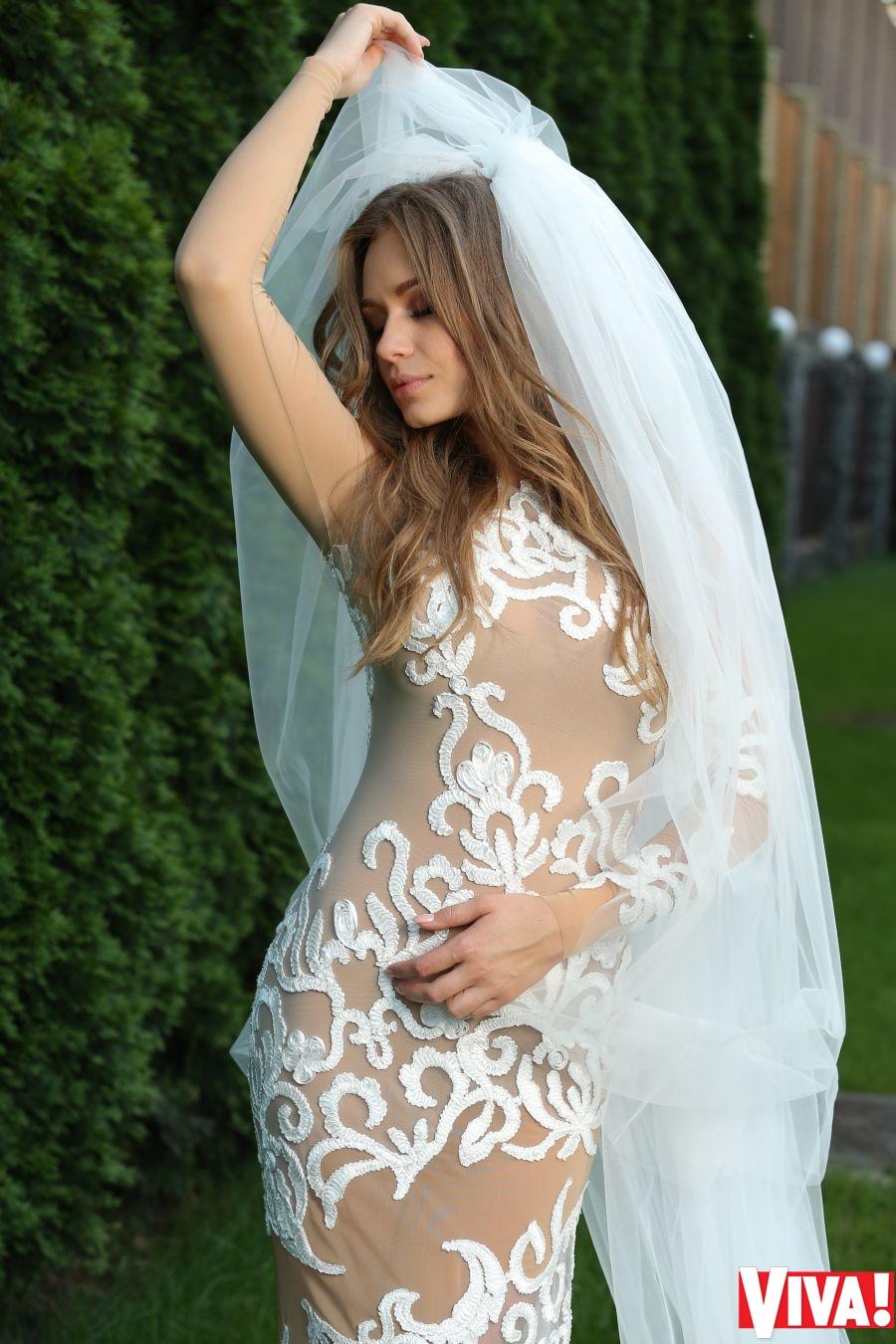 Фото невест в стрингах с разрезом 12 фотография