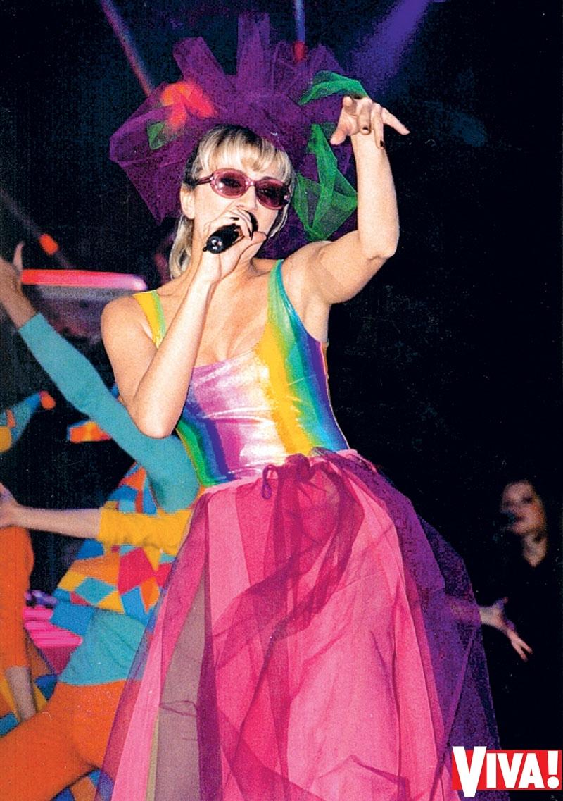 Ирине Билык – 45 лет! Эволюция образа певицы в журнале Viva!