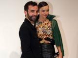 Стильная Миранда Керр и другие знаменитости на показе Louis Vuitton в Париже