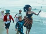 Семья в сборе: уникальная фотосессия Джоли и Питта с детьми