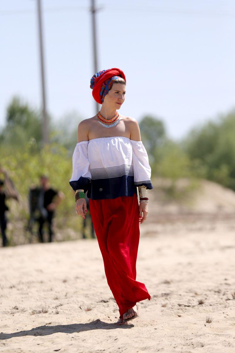 Анита Луценко удивила экзотическим образом в шоу
