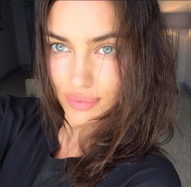 Естественная красота: Ирина Шейк показала лицо без макияжа