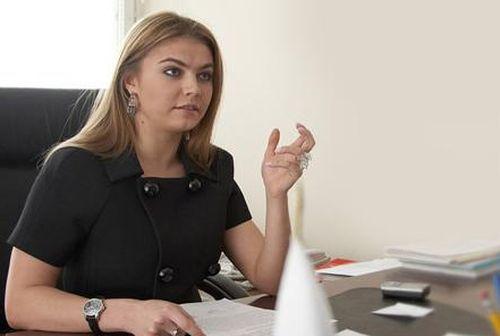 Алина Кабаева опровергла сообщение о материнстве
