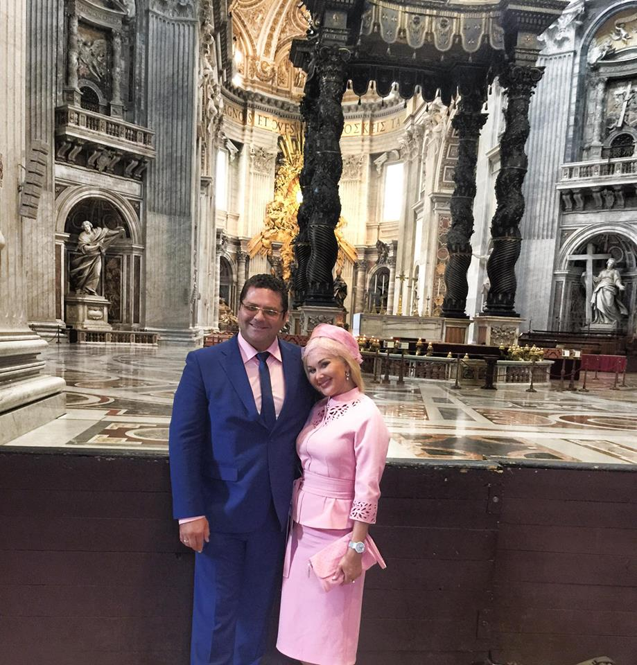 Катя Бужинская в Ватикане встретилась с Папой Римским и помолилась за мир в Украине