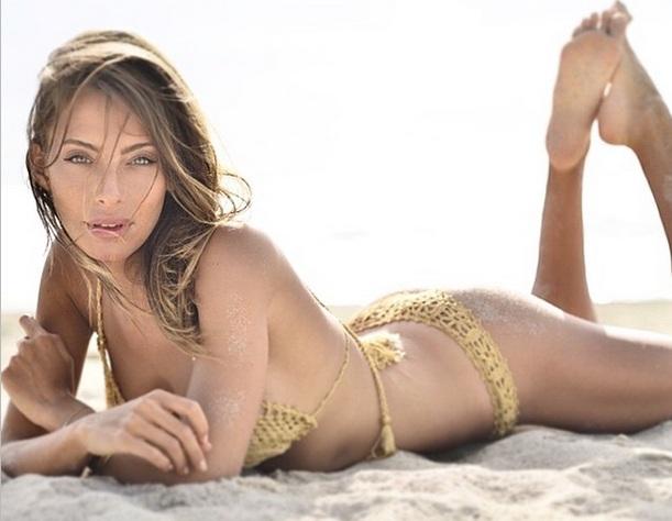 СМИ: Криштиану Роналду закрутил роман с итальянской моделью