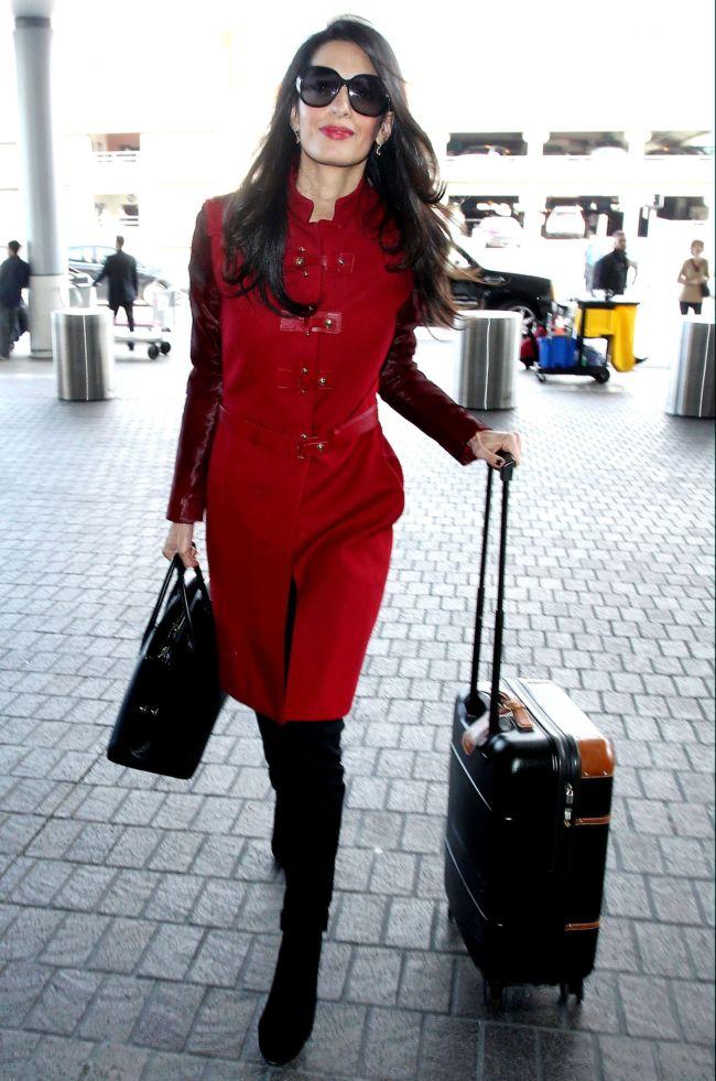 Casual-образ Амаль Аламуддин: модный успех или провал?