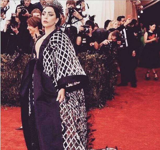 """Леди Гага о лишних килограммах: """"Это не беременность, это просто возраст"""""""