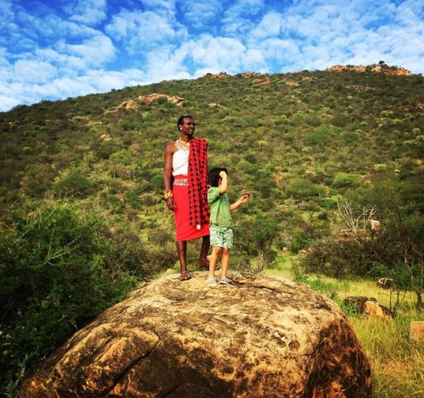 Увлекательные каникулы: Даутцен Крус с мужем и детьми отдыхает в Африке