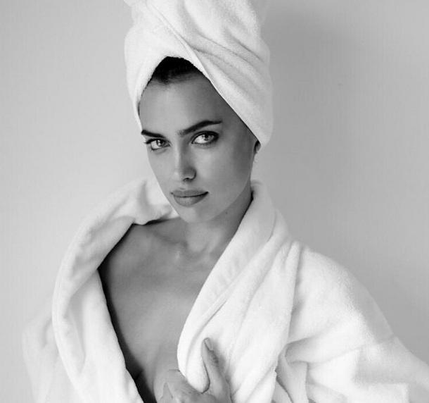 Обнаженная красота: Ирина Шейк снялась для фотопроекта Марио Тестино