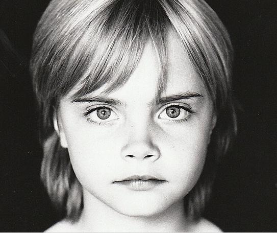 Кара Делевинь показала, какой была в детстве