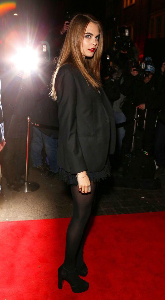 Юная рокерша: Кара Делевинь обескуражила своим новым луком