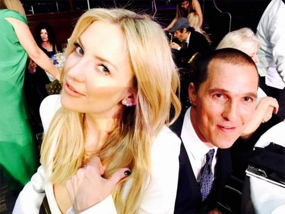 Встреча друзей: счастливые Кейт Хадсон и Мэттью Макконахи позируют вместе