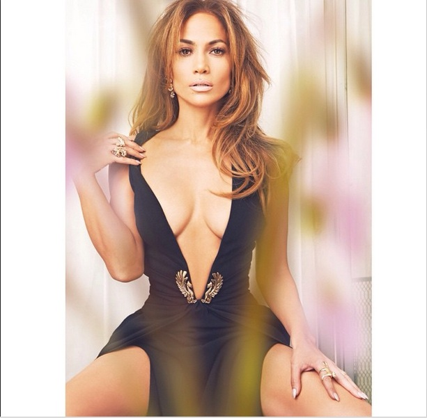 45-летняя Дженнифер Лопес снялась в эротической фотосессии