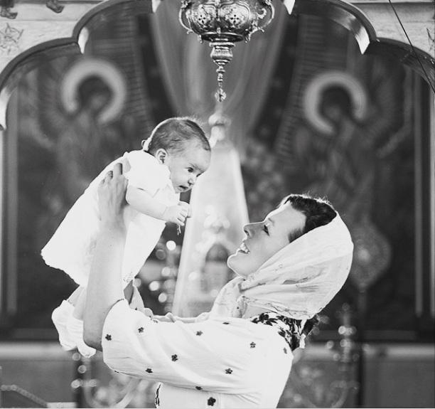 Милла Йовович и Пол Андерсон крестили новорожденную дочь
