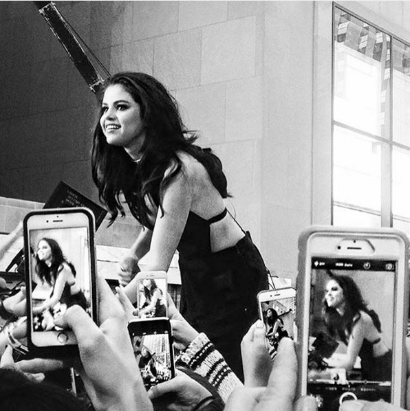 Селена Гомес стала новым лидером Instagram по количеству подписчиков